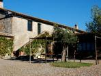 Blue House - Apartament with swimming pool in Val d'Orcia
