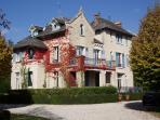 Chateau and 5 holiday homes  with 2 heated swimming pools in the Dordogne France