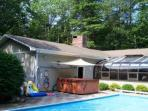 Andy's Retreat - Heated Pool, Jacuzzi, BBQ