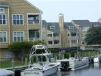 Canalfront 1BR with stereo - Buccaneer Village #116