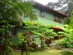 Hale I'iwi- Stay in 2 bed/2 bath Artist's Home!