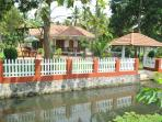 Coconut creek kumarakom homestays & houseboats