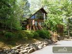 Bear Cave Haus  Private Rustic Hot Tub King Beds WiFi Deck Free Nights