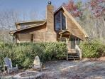 SERENITY--SECLUDED 2BR/2BA CABIN WITH BREATHTAKING MOUNTAIN VIEWS, KING SIZED BEDS, SAT TV, HOT TUB, WIFI, PET FRIENDLY, GAS GRILL, WOOD BURNING FIREPLACE, FIRE PIT, WATER GARDEN, JETTED TUB IN MASTER BATH, ONLY $115/NIGHT!