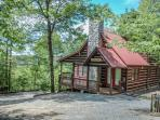 THE LONG VIEW*SECLUDED*~3BR~3BA~CABIN WITH BREATHTAKING MTN VIEWS~WIFI~AIR HOCKEY~FOOSBALL~HOT TUB~WOOD BURNING FIREPLACE~FIREPIT~SCREENED PORCH OFF MASTER SUITE~SLEEPS 6~ONLY $122/NIGHT!