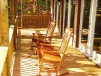 Bruins Den – Spacious Group Rental with Fire Pit, View, Hot Tub, and Wi-Fi Just 10 Minutes from the Great Smoky Mountains Railroad