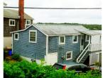 Waterfront cottage, steps to beach - 1BR