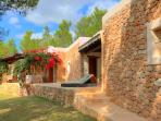 The villa that blends with ibiza´s landscape