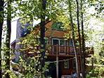 Cozy log cabin on Lake Champlain in Vermont