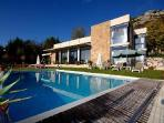 Mas 2 - Modern French Riviera Villa with Ocean View, Infinity Pool and WiFi