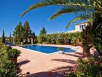 Villa Jasmin - Elegant villa close to Loule with rooftop terrace and separate cottage