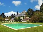 Beautiful Manor house with a large pool