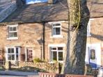 GENTIANA COTTAGE, ideal retreat for couples and families, village centre location in Middleton-in-Teesdale, Ref 13894