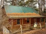 2 bed 2 bath with Hot Tub, Jacuzzi Tub, Fireplace, Sky Harbor Gatlinburg TN