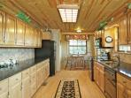 Gourmet Kitchen - Granite Counter Tops - Fully Equipped!