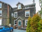 MOSS COTTAGE, wonderful family accommodation, woodburner, decked garden, close to amenities, in Windermere, Ref 23607
