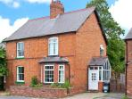 DUCK COTTAGE, canal views, multi-fuel stoves, lawned gardenm, in Christleton, near Chester, Ref 15308