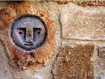 Detail from the wall that surrounds Villa Panagos