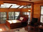 THE BEST PLACE TO STAY ON RIVER RD - THE LODGE