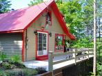 Gorgeous 2 Bedroom Cottage Facing Lake Massawippi!