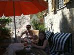 Breakfast on the sundrenched terrace - Me and my girls