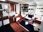 Stylish 2 Bdr. in the Heart of Rome