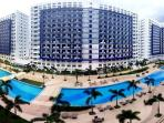 Furnished Condo Across Mall of Asia - Cable/Wi-Fi