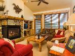 3302 Champagne Lodge, Trappeur