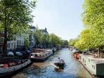 Prinsengracht canal at the corner