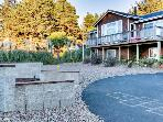 Oceanview home with private hot tub, space for 14