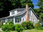 Charming Cottage ,artist owned, Walk to Beach, close to town fireplace, mooring. sleep 6 cc...45 EXCELLENT REVIEWS