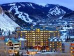 Westin Luxury Large Studio, Ski In/Out, Fireplace,