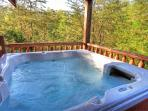 GREAT LOCATION-1 Mile Off Pkwy; 3 King Suites Jacuzzis