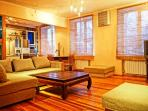 The creative 2 rooms apartment in a historical part of Kyiv. Jacuzzi