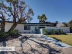 STYLISH MID-CENTURY OASIS IN CENTRAL PALM SPRINGS