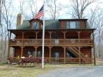 Franklin Manor_luxury log home on 18 acres and close to local attractions!!!!