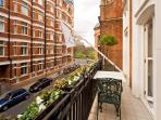 2 bed with Views to Kensington Palace and Gardens