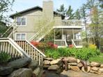 Village Green A3 is an inviting condo located on Main Street, Blowing Rock