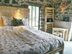 Room with double bed 180x200cm