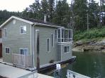 Arbutus Mist -2Bdrm Float Home at Maple Bay Marina