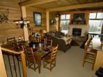 Comfortable/Cozy Ski Condo Big White BC Ski in/out