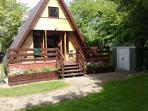 Quiet comfortable chalet in tranquil woodland
