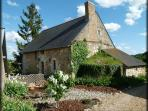 Beautiful 15th century rural cottage, fully restored in a very peaceful location between Angers & Saumur