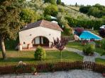 Sunny, tranquil 3 bedroom farmhouse with private garden and pool in Tuscany