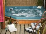 Why not book one of our plus lodges with the added luxury of a hot tub!