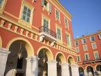 Vieux Nice stylish apartment in convenient location close to the beach with charming balcony