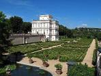 Villa Doria Pamphili, the largest in the City, at 1,000 m from the Da.Do House