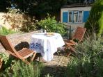 garden table, summery day