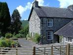 Mid Wales Farmhouse Cottage -24537
