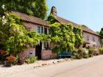Traditional Devon Cottage in River Dart village